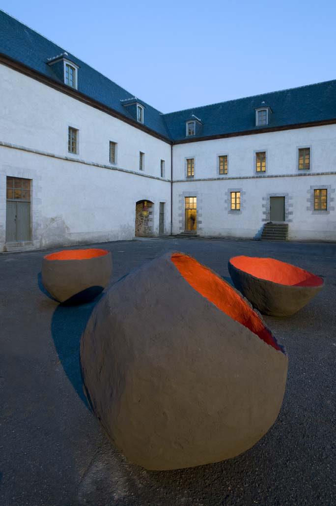 Béton couleur sculpture musée Morlaix