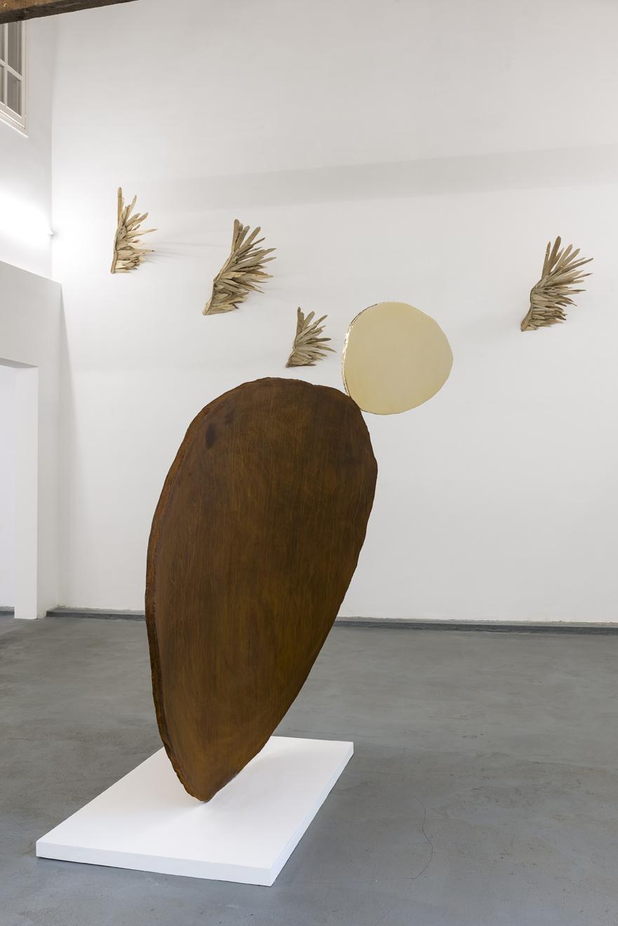 Sculpture acier corten pétale d'or Guillaume Castel